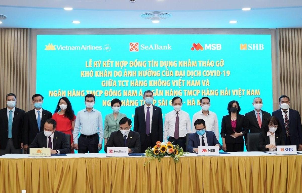 Vietnam Airlines đã ký kết hợp đồng tín dụng với 3 ngân hàng