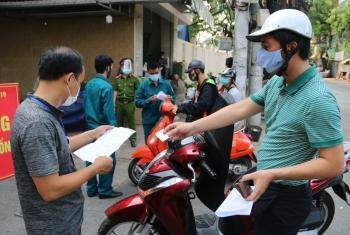 Hà Nội: Giấy đi đường phải có sự phê duyệt của chính quyền nơi ở, nơi làm việc