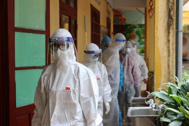 Sáng 10/8, Hà Nội ghi nhận thêm 14 trường hợp dương tính SARS-CoV-2