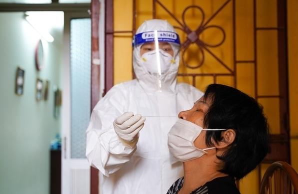 Hà Nội: Tổ chức xét nghiệm cho 900 người ở Thanh Xuân Nam