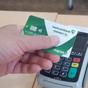 vietcombank ngung cung cap dich vu the ghi no noi dia dau so 686868