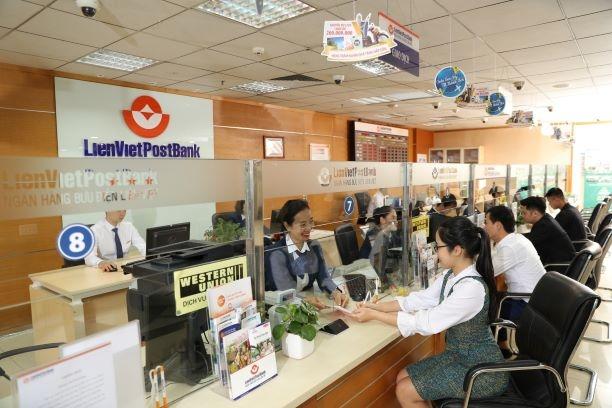 lienvietpostbank tang von dieu le len gan 10000 ty dong