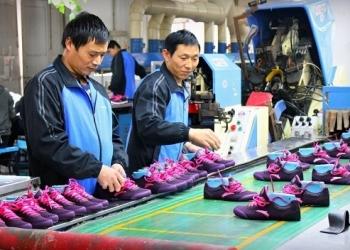 Việt Nam chỉ đứng sau Trung Quốc về lượng giày dép xuất khẩu