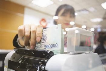 Nợ xấu gia tăng do dịch bệnh làm chậm quá trình tái cơ cấu của các ngân hàng