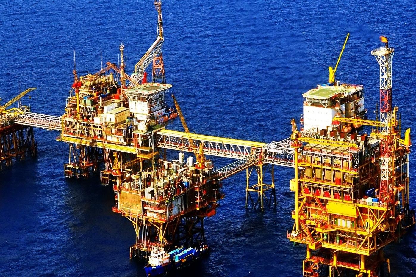 """Sản lượng dầu thô khai thác giảm mạnh khiến tăng trưởng ngành khai khoáng """"hụt hơi"""""""