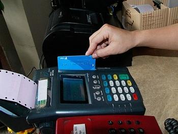 Sẽ siết chặt hoạt động chuyển tiền từ thẻ tín dụng vào tài khoản cá nhân