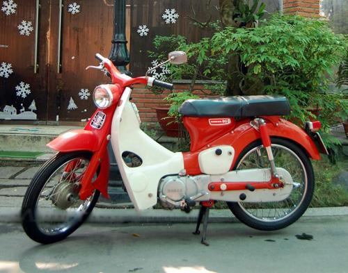 Những xe máy 'quý bà' đình đám Sài Gòn một thuở