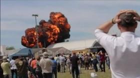Tây Ban Nha: Máy bay trình diễn nổ tung tại triển lãm hàng không
