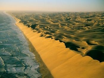 Rong ruổi khám phá những sa mạc kỳ vĩ nhất thế giới