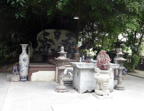 Sự thật về oan hồn thần xà nhập vong đòi cúng bò ở miếu cổ Vạn Phúc, Hà Nội