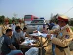 Quảng Bình: CSGT ra quân đầu năm xử lý xe khách vi phạm