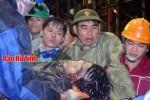 [Chùm ảnh] Trắng đêm cứu nạn ở công trường Formosa