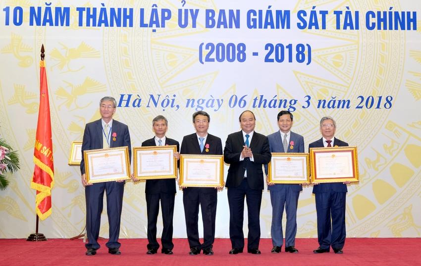 thu tuong du le ky niem 10 nam thanh lap uy ban giam sat tai chinh quoc gia