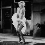 7 chiếc váy đắt giá nhất điện ảnh Hollywood