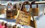 Australia: Cắt bỏ hơn 20.000 khóa tình yêu trên cầu Southgate