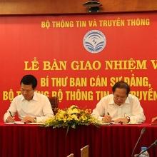ong nguyen manh hung duoc phe chuan bo truong bo thong tin va truyen thong