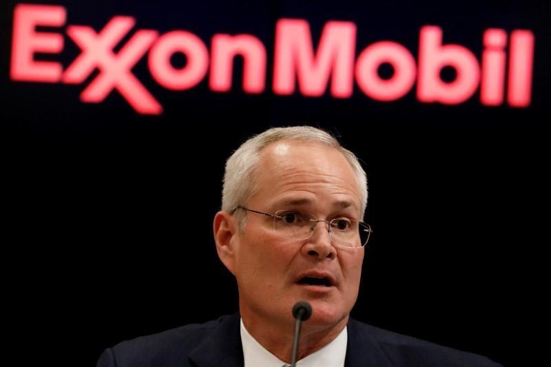 exxonmobil tien hanh hop nhat ban loc dau va thi truong