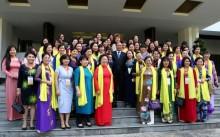 Thủ tướng gặp mặt các nữ doanh nhân Việt