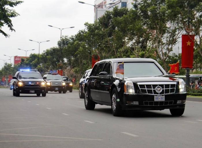 [Chùm ảnh] Đoàn xe của Tổng thống Obama trên đường Sài Gòn