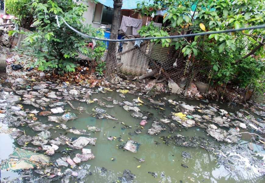 TP HCM: Bao giờ kênh rạch hết ô nhiễm?