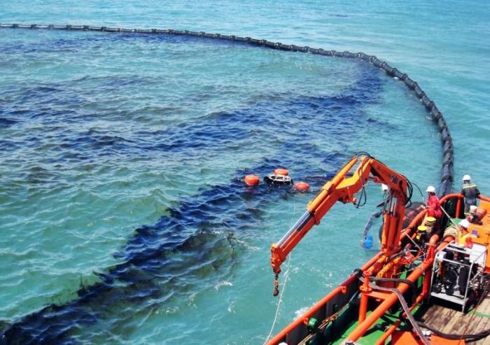 TP HCM chưa có lực lượng ứng phó tràn dầu chuyên nghiệp