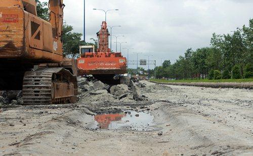 TP HCM chống lún trên đại lộ Đông Tây
