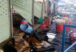 TP HCM: Cháy lớn tại chợ nông sản Thủ Đức