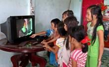 Đồng bào Khmer Sóc Trăng trong ngày vui có điện