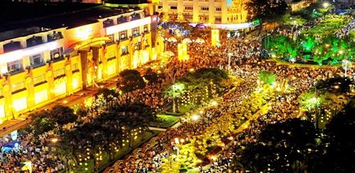 TP HCM nâng cấp đường Nguyễn Huệ thành quảng trường đi bộ