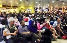 Sân bay Tân Sơn Nhất hoãn nhiều chuyến bay do mưa lớn