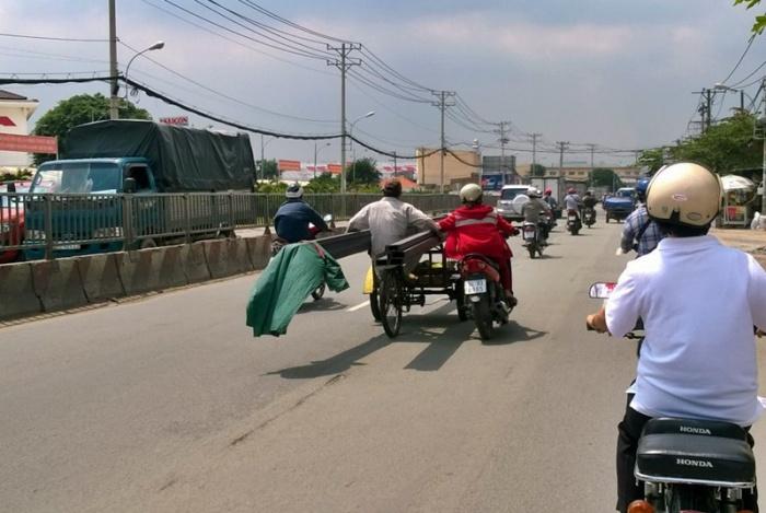TP HCM xử phạt phương tiện chở hàng cồng kềnh
