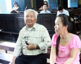 Cụ ông 80 tuổi thắng vụ kiện lô cốt