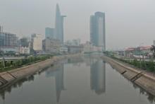 Ô nhiễm khiến TP HCM xuất hiện 'sương mù'