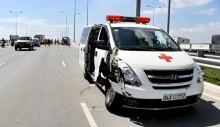 Xe cấp cứu chở bệnh nhân đâm 2 ô tô