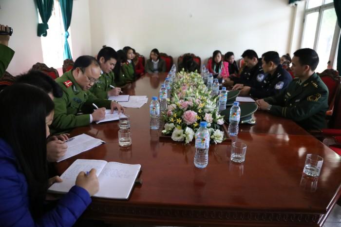 Giải cứu 8 thiếu nữ bị bán sang Trung Quốc 'làm vợ'