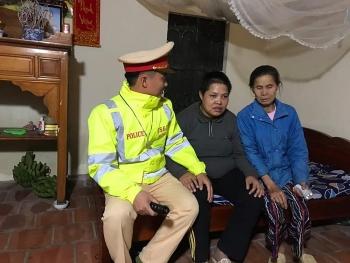 Hà Nội: CSGT đưa người cơ nhỡ về quê đón Tết
