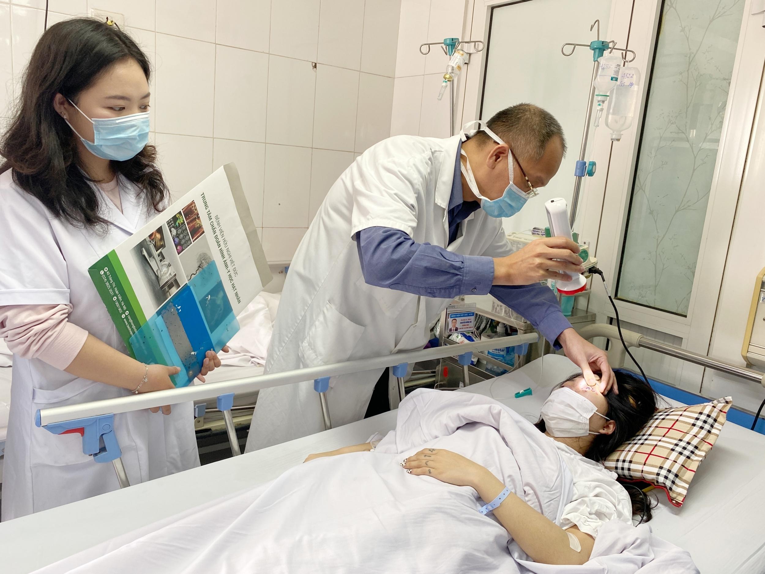 Thiếu nữ bị mù mắt sau khi tiêm filler nâng mũi