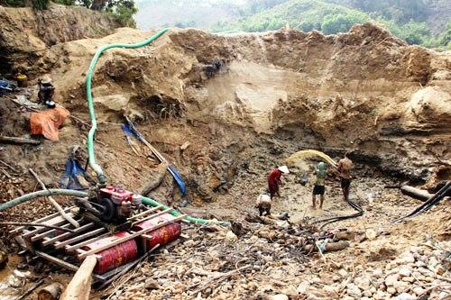 Bắc Giang: Liên tiếp bắt các vụ khai thác khoáng sản trái phép