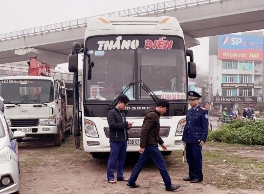 ha noi xu phat xe giuong nam cho khach khong co hop dong