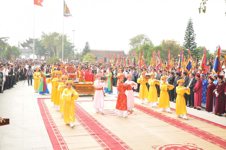 Phú Thọ: Dừng tổ chức các hoạt động phần hội tại Lễ hội Đền Mẫu Âu Cơ