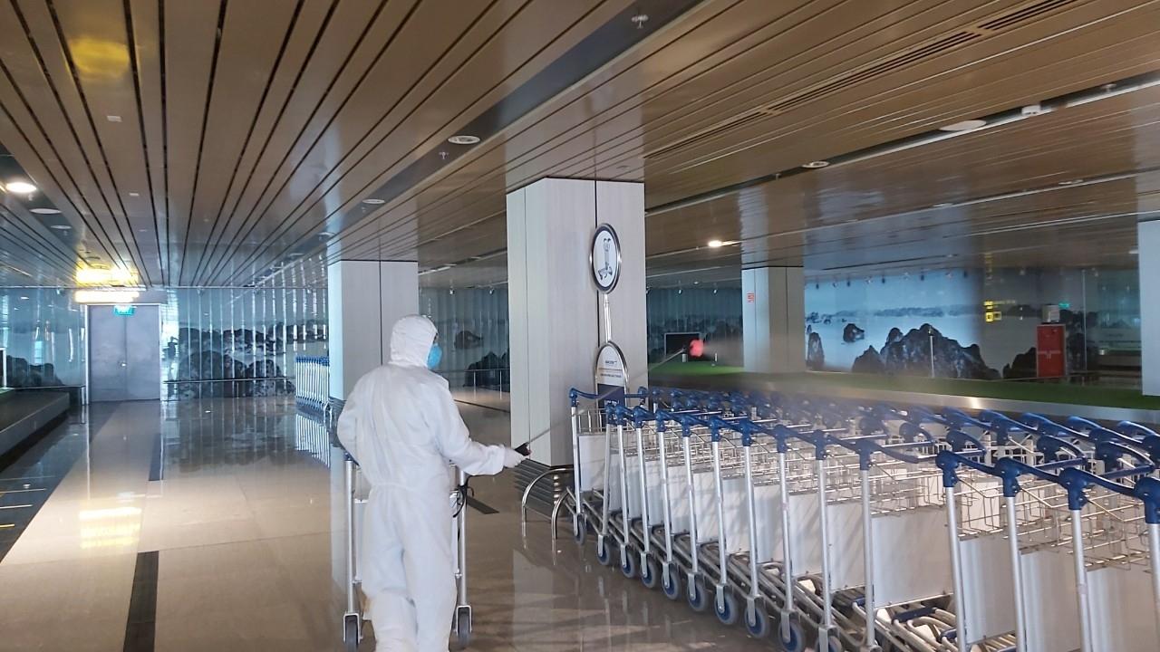 Đề xuất tiếp tục đóng cửa tạm thời sân bay Vân Đồn