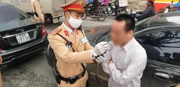 """Hà Nội: Một lái xe gây tai nạn vi phạm nồng độ cồn ở mức """"khủng"""""""