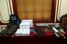 Trao thưởng cho đơn vị bắt tội phạm ma túy có súng