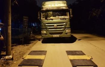 Thanh tra giao thông bị dọa đánh khi kiểm tra xe quá tải