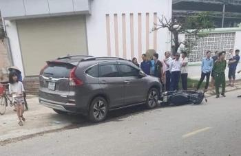 Phú Thọ: Va chạm với ô tô, 2 mẹ con đi xe máy tử vong