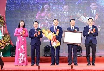 Hà Nội: Huyện Thạch Thất nhận danh hiệu đạt chuẩn nông thôn mới