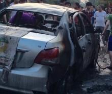 Phú Thọ: Ôtô cháy dữ dội khi dừng lại trả khách