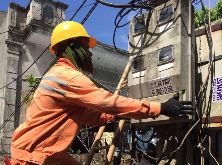 Hà Nội: Đảm bảo an toàn điện trong mùa nắng nóng