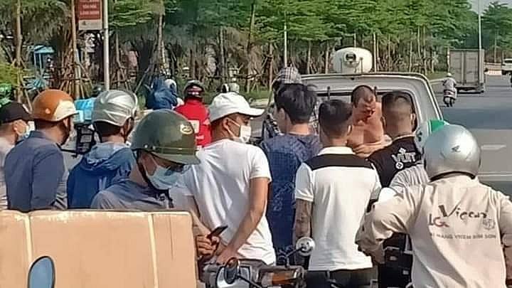 Hà Nội: Bắt tên cướp taxi giữa ban ngày