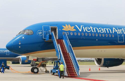 nhieu phi cong vietnam airlines xin thoi viec